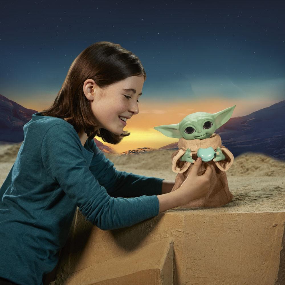 Star Wars The Mandalorian Interactive Figure Galactic Snackin' Grogu 23 cm